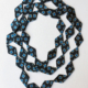 collier-soie-cravate-carre-bleu-fait-main-creation-mode-femme-artisan-createur-valerie-hangel-galerie-h-carouge