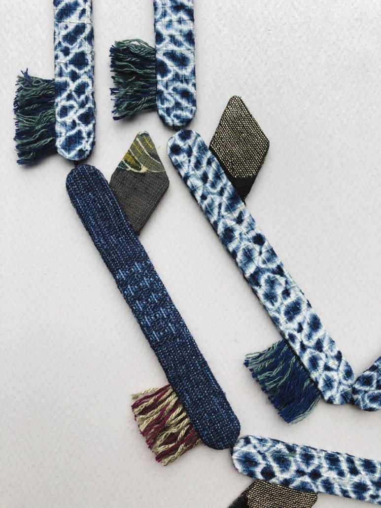 talisman-long-collier-en-soie-accessoire-mode-cadeau-tissus-anciens-kimono-valerie-hangel-geneve