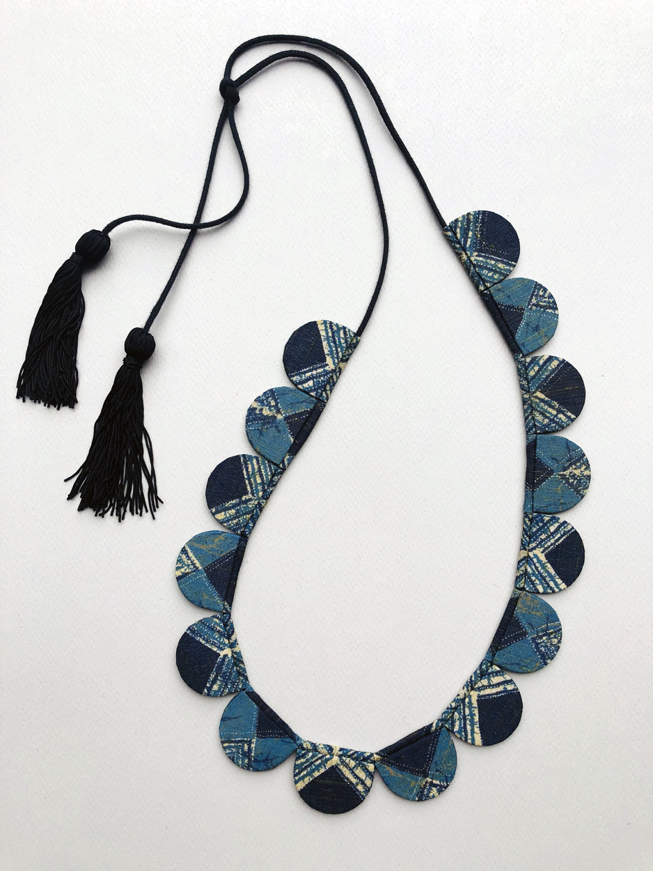 contemporary-textile-necklace-handmade-ethical-local-hangel-carouge