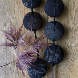 hiroko-necklace-moonlight-silk-kimono-old-piece-unique-crafts-textile-jewellery-geneva-hangel