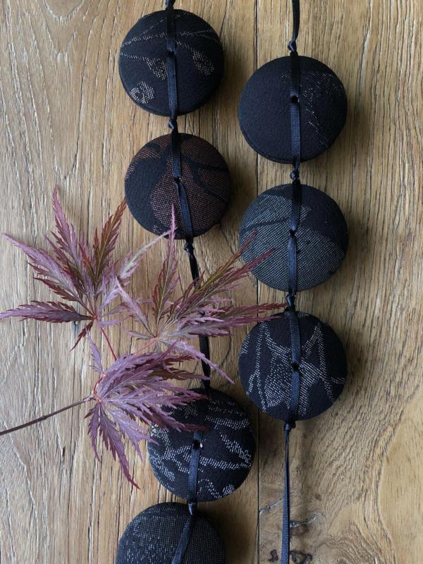 hiroko-necklace-moonlight-silk-kimono-old-piece-unique-crafts-contemporary-jewelry-geneva-hangel
