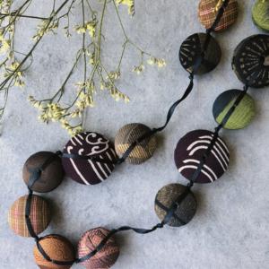 necklace-hiroko-silk-kimono-handmade-jewelry-contemporary-geneva-hangel
