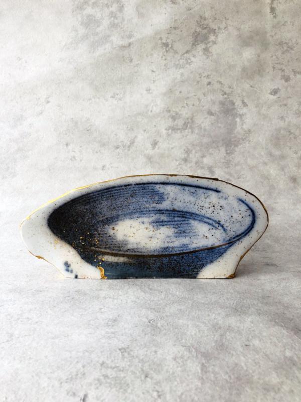 ceramique-impression-assiette-porcelaine-bleu-paul-scott-galerie-h-geneve