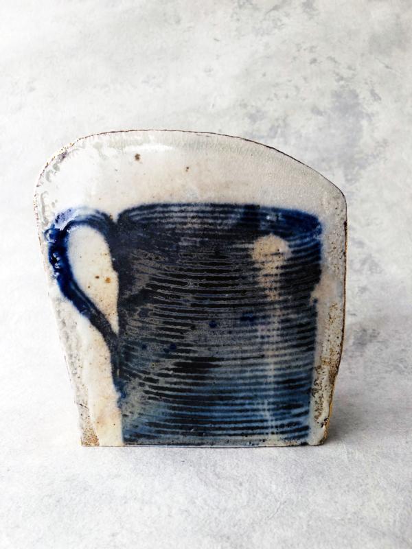 ceramique-contemporaine-impression-bleu-fait-main-artiste-paul-scott-galerie-h-carouge-geneve