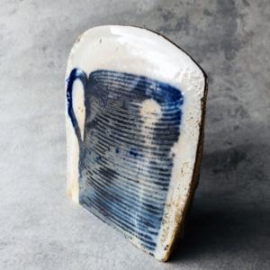 blue-and-white-ceramic-unique-contemporary-sculpture-or-paul-scott-geneva