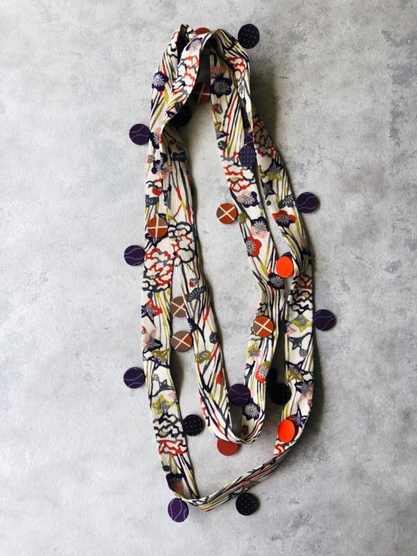 collier-ruban-fleuri-soie-kimono-ancien-bijoux-contemporains-valerie-hangel-geneve